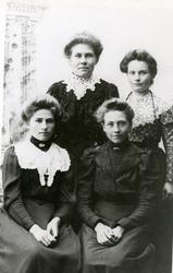 Foran til høyre: Tore Amalie Aune Seierstad, Charlotte Skage
