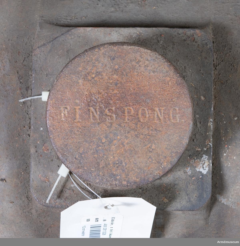 """Grupp F I. 10 cm (3"""",24) itusågad, stålbandad och räfflad försökskanon. Kapten F A Spaks katalog 1888. Fastställd den 27 december 1873 i och för anställande av  försök. Denna kanon provsköts först år 1874, då 1841 skott med växlande laddningar och projektiler av 7,86 kg lossades, därefter följde 142 sprängskott, utan att pjäsen undergick någon märkbar förändring. Följande år lossades med kanonen tillsammans 26 skott av vilka 14 med ett på kanonen verkande gastryck av 2000 atmosfärer och däröver. Därefter itusågades kanonen och utställdes, såsom ett bevis på det svenska järnets seghet, vid  världsutställningen i Philadelphia 1876."""