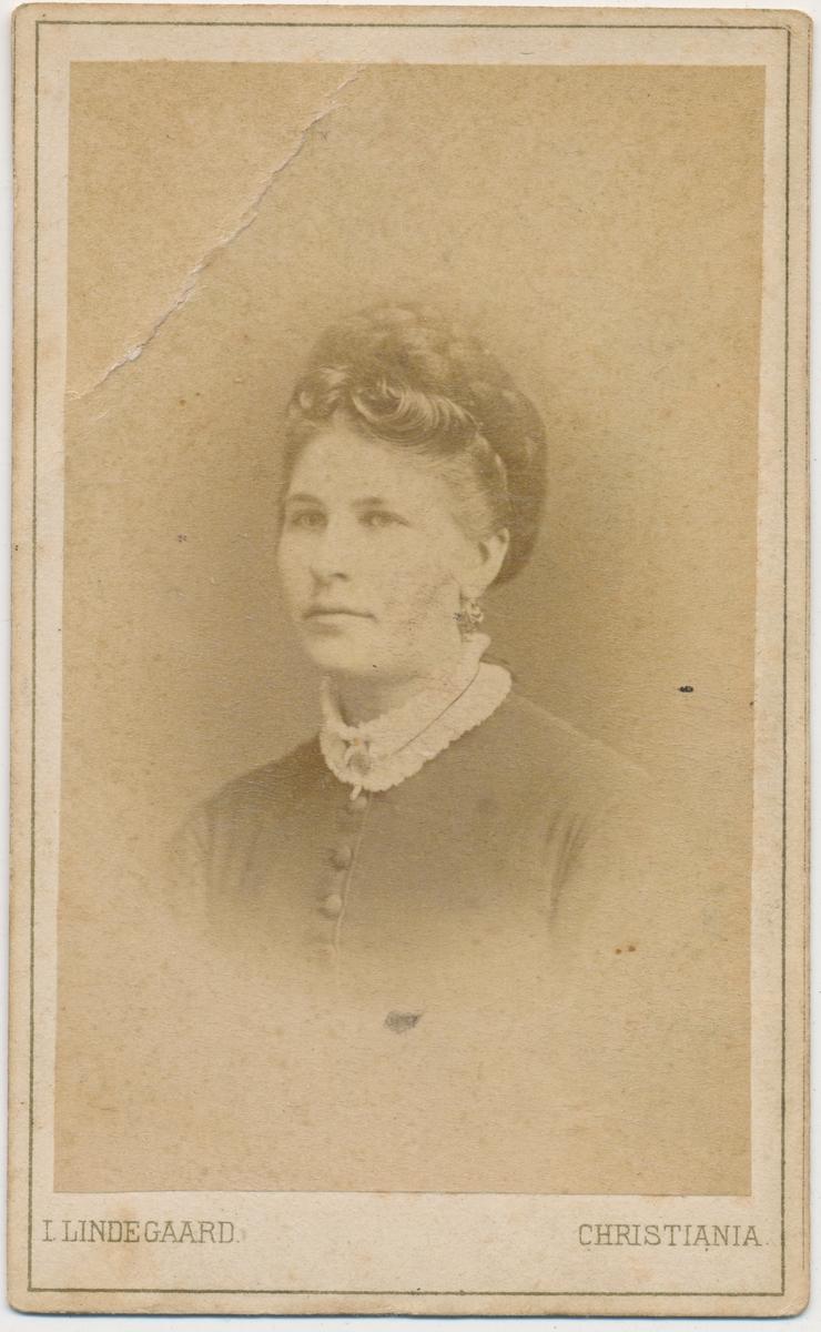 Portrett av kvinne, ukjent