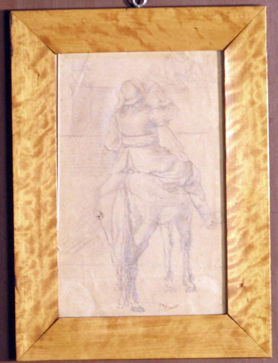 Rektangulær. Hest og rytter, høyrev., sett bakfra; rytteren i hoftelang jakke m. skjerf.