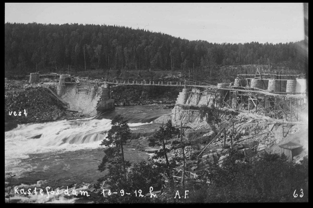 Arendal Fossekompani i begynnelsen av 1900-tallet CD merket 0565, Bilde: 14 Sted: Haugsjå Beskrivelse: Under bygging av dammen