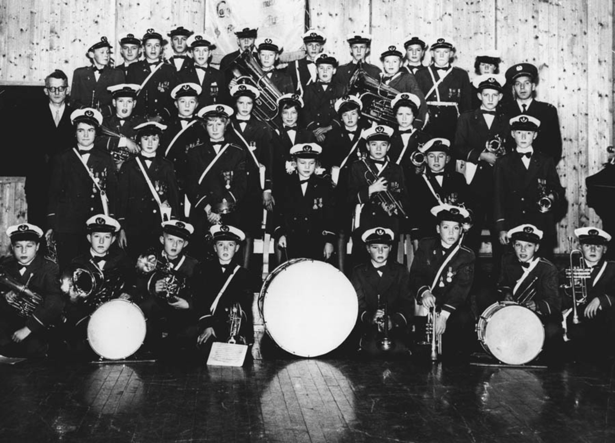 Langhus skoles musikk-korps 10-års jubileum 1961