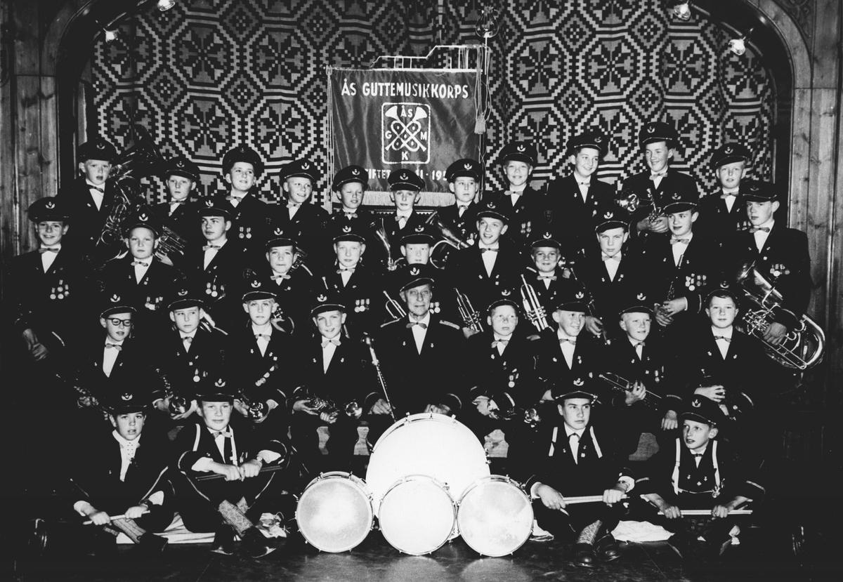 """Konsert """"Guttemusikken"""". Dirigent Karelius Kristiansen."""
