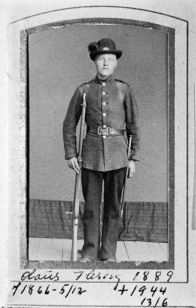 Olaus Flesvig 1866-1944. Bilde fra 1889