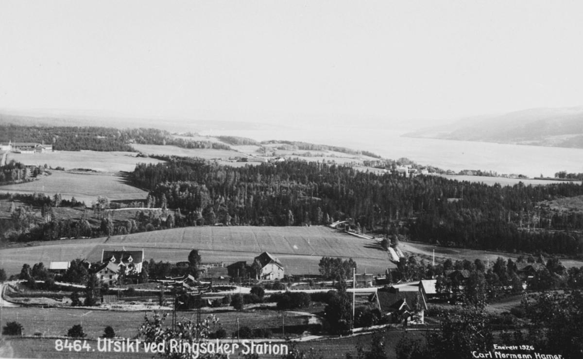 Utsikt fra Pinsberget ved Ringsaker stasjon, Tande, Bjerregård, Simonsens ullvarefabrikk, Ringsaker.