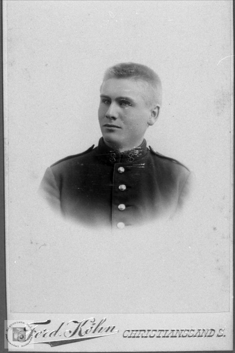 Portrett av Halvor Bjerland, Bjelland