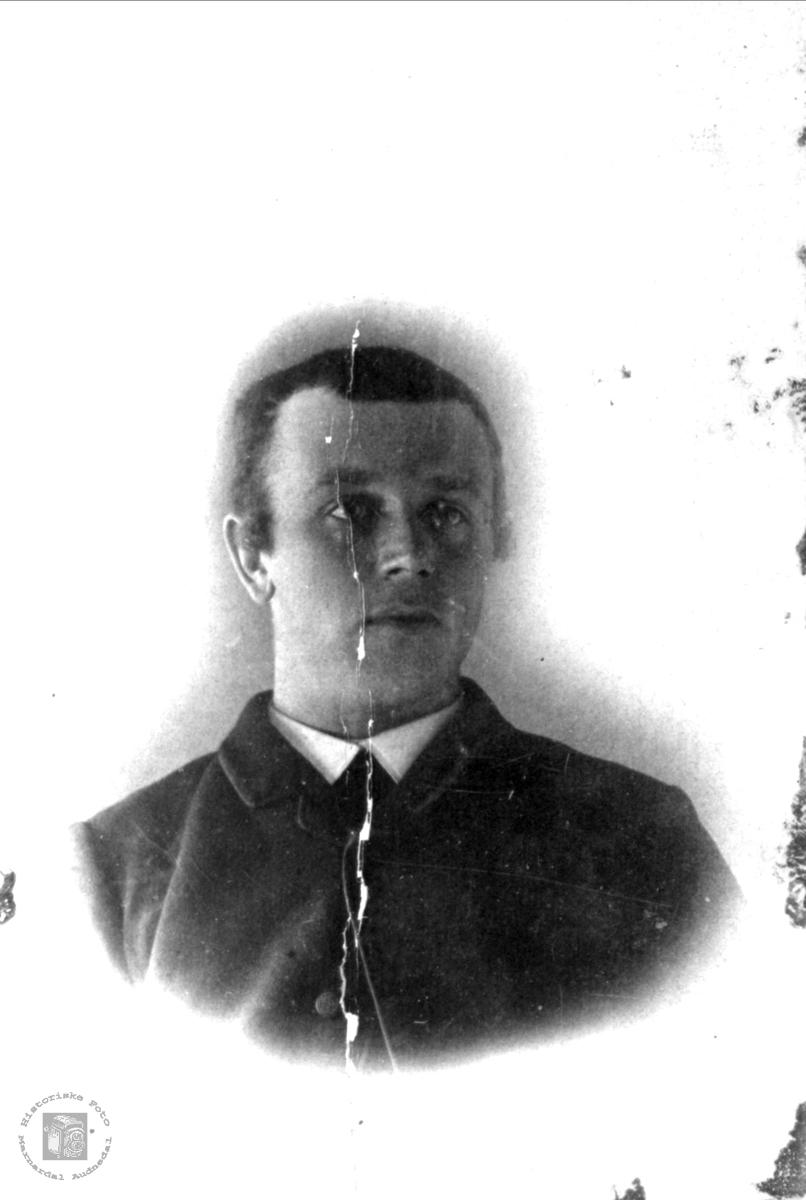 Portrett av Aanen Fuglestveit, Øyslebø.