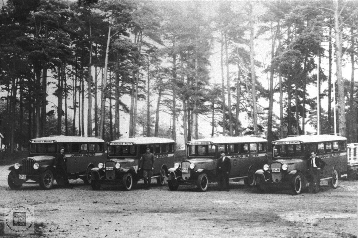 Rutebilar i Mandalen i 1933.