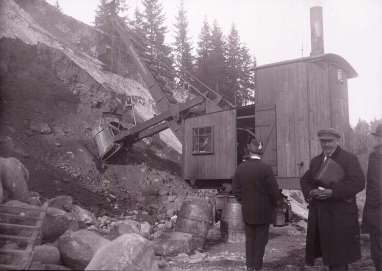 "Enligt text som medföljde bilden: ""Grusgropen, Svarteborg Okt 12""."