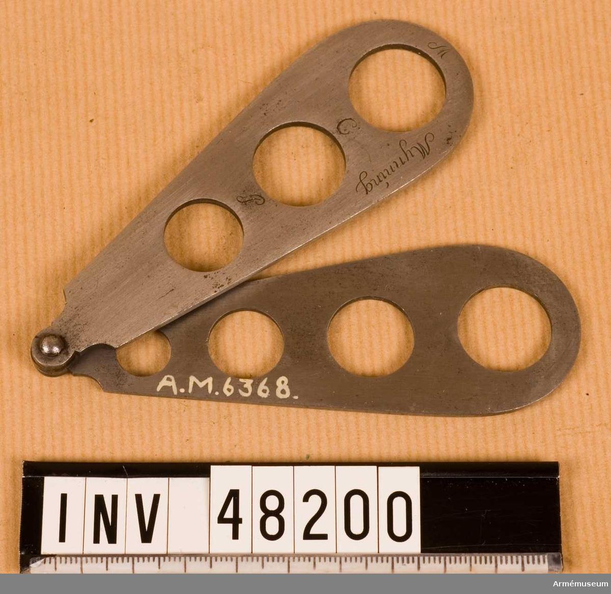 Grupp E VIII.  För besiktning av kulor till gevär med musköt, karbinkaliber och för pistol och rännkulor.