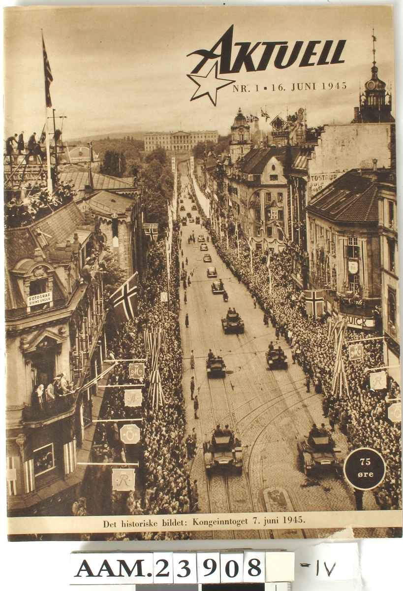 Karl Johans gt. i fest,  kongeinntoget   7.juni 1945