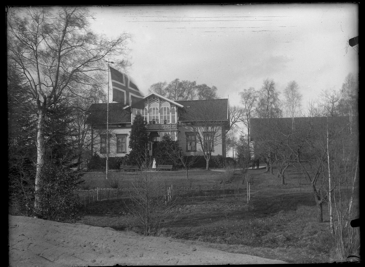 Egra pleiehjem.Hovedhuset med hagen omkring