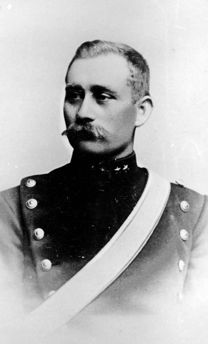 Portrett av løitnant Peder Ramstad.