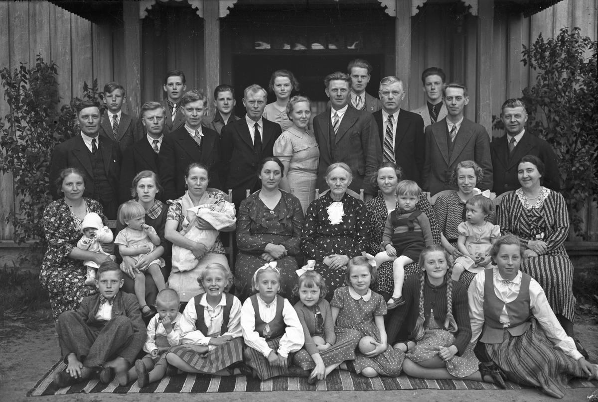 Familien Hoel, juni 1939. 75-årsdagen til Anna Hoel.