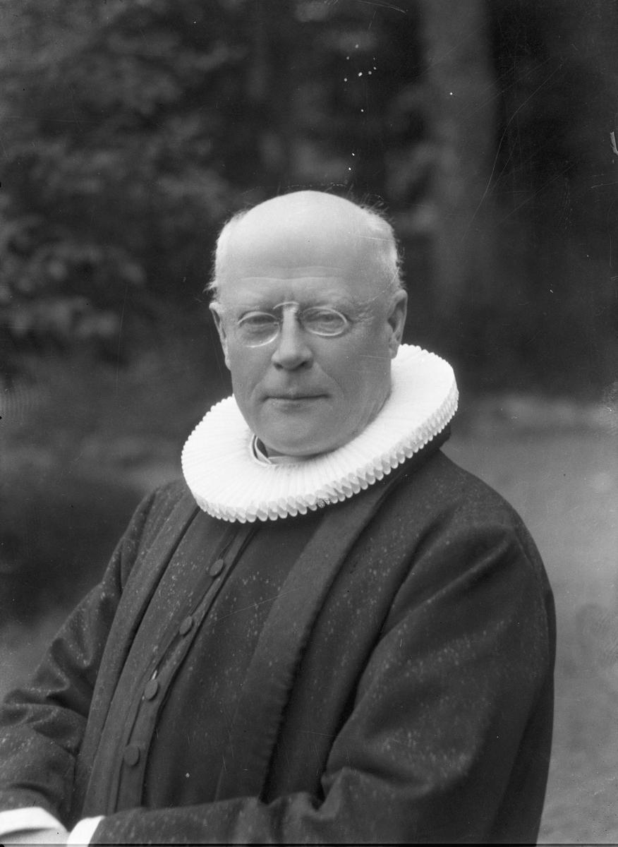 Sogneprest Høyer. 06.juli 1928.
