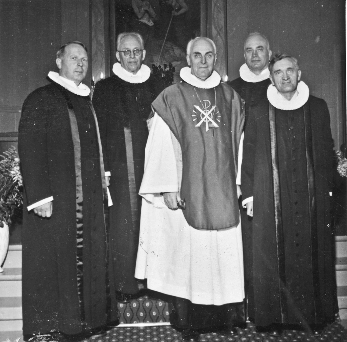 100-års jubileum i Langset kirke i 1959. Fra v.: X, X, Biskop Smedmoe, Aksel Kragseth (prest på Langset), sogneprest Nils Taraldseth.
